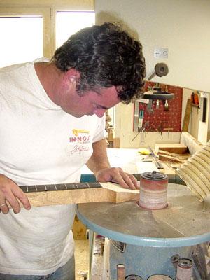 Stage de lutherie chez Xavier Petit : créer une guitare de ...
